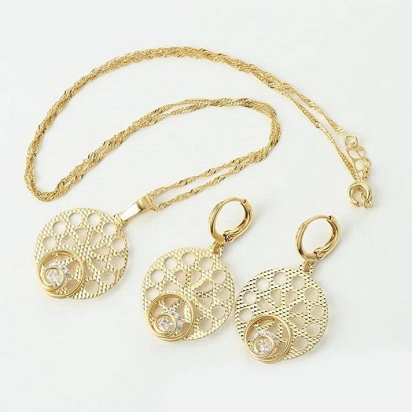 Set Pandantiv, cercei si lant din aliaj de zinc, placat cu aur de 14k